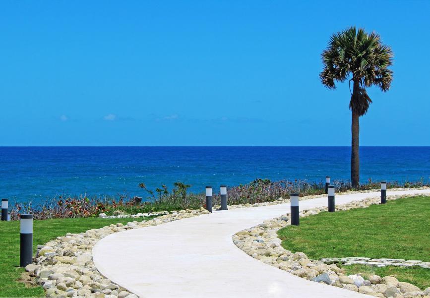 Ocean walkway