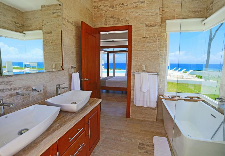 Deluxe Villas Bathroom